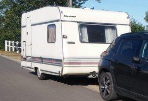caravane-burstner-club-4204ts-1