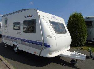 caravane-hobby-de-luxe-easy-440sf-1